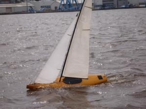 Am Hafen Segeln